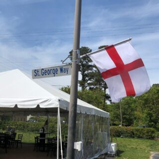 Happy FEAST of ST GEORGE DAY! Come celebrate with @stgbeer and @noshstg Live music with Richie Beard from 5-8 #slayingordinarybeersince1998 #bloodyfinebrew #craftbeers #vacraftbeers #feastofstgeorge #foodtruck #beerspecials