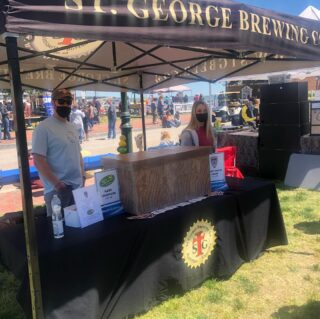 It's a beautiful day to come out to Yorktown to the Blues, Brews,and BBQ festival! Enjoy some delicious St George and Larry's Hard Lemonade brews! #slayingordinarybeersince1998 #drinklocal #craftbeer #yorktown #festival